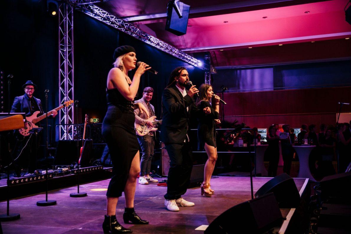 Gala-Live Band und Partyband und Liveband Heidelberg Mannheim für Hochzeiten Geburstage und Firmenfeiern
