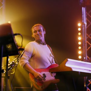 Bassist einer Live Band Mannheim auf einem Live-Konzert