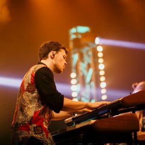 Keyboarder auf Live-Auftritt
