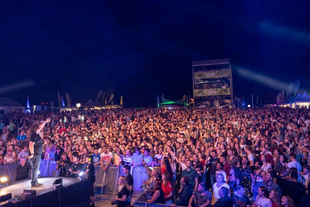Begeistertes Publikum auf dem Haigern Live 2020 - Jetzt Ultimate Music Live als Partyband buchen