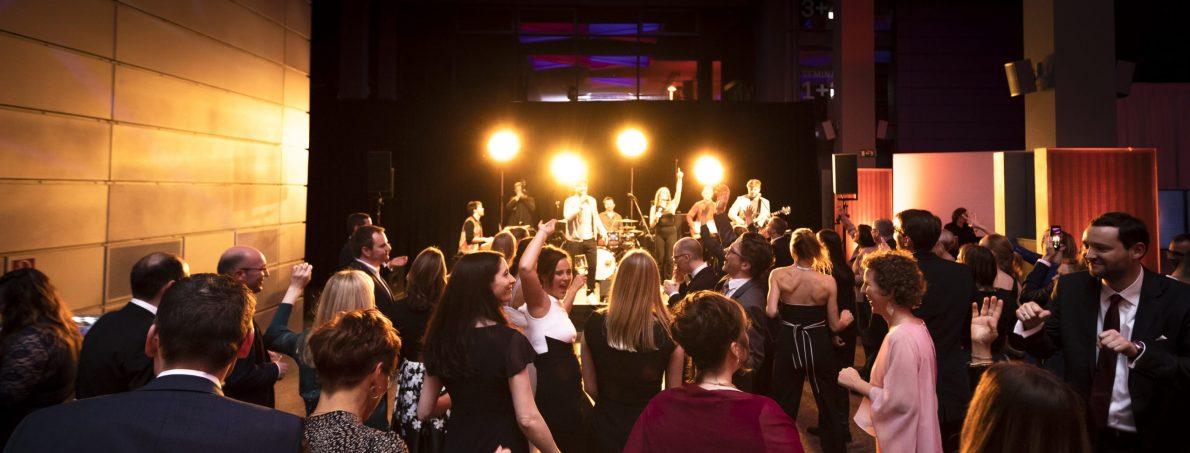 Ultimate Music Live als gute Coverband auf dem Kickoff-Event von AbbVie 2020