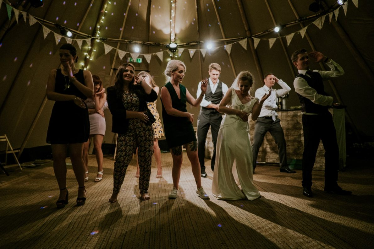 Hochzeitsband buchen für Hochzeit auf der Menschen gemeinsam Tanzen