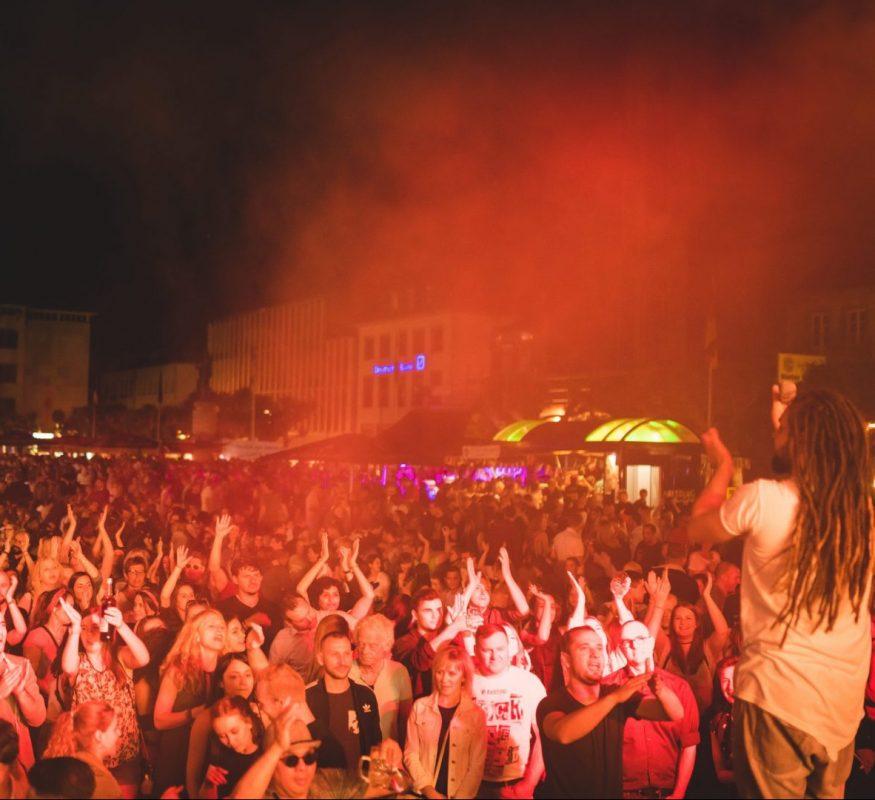 Deine Partyband Mannheim buchen und Livemusik auf Top-Niveau genießen